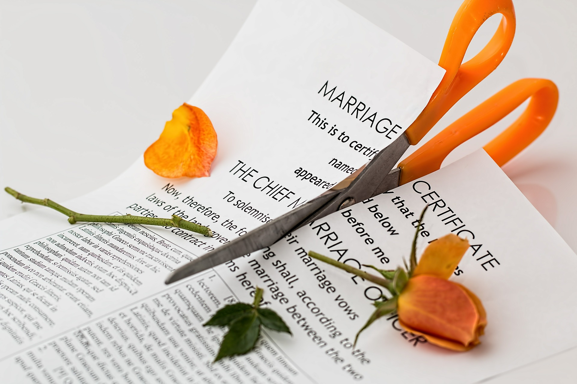 A representation of a couple needing the help of a divorce attorney in Murrieta, CA